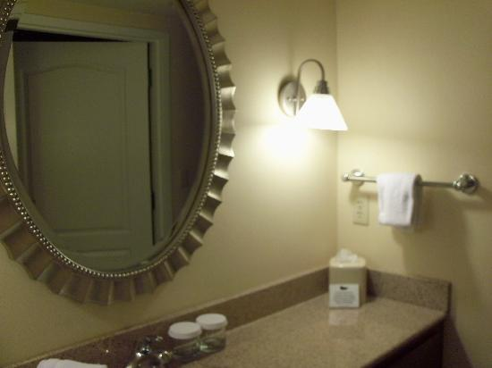 ‪‪Homewood Suites Dulles - North / Loudoun‬: 1 of 2 Vanities‬