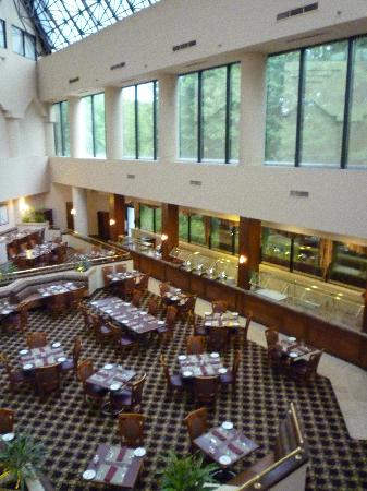 Jake's 58 Hotel & Casino: Dining area with good size buffet