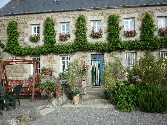 Manoir de Kercadic : Front of the house