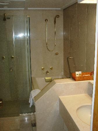 Kensington Flora Pyeongchang: bathroom