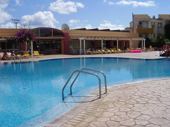 Isla Del Aire Apartments: Great pool