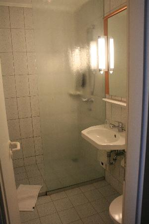 Ibis Hotel Eisenach : Bathroom