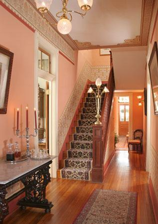 Noble Inns - The Jackson House: Foyer at Jackson House