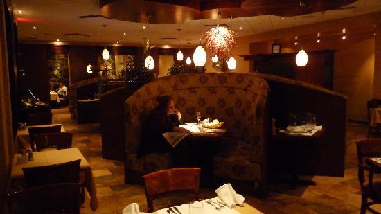 Hotel & Suites Le Dauphin Drummondville: Restaurant de l'hôtel (Globe-Trotter)