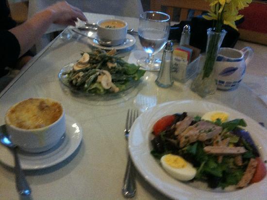 Croissant du Jour: lobster bisque and onion soup