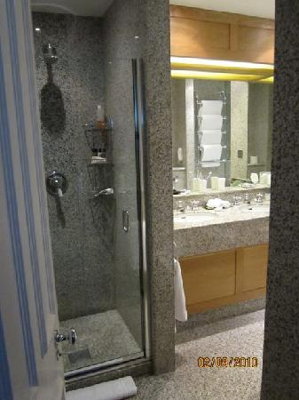 Covent Garden Hotel: walk-in shower