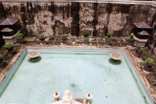 Water Castle (Tamansari): tamansari