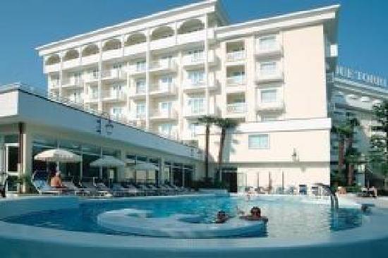 Hotel Terme Due Torri: hotel esterno