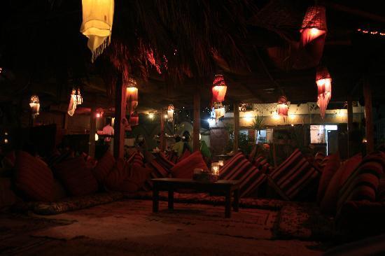 Meya Meya: night