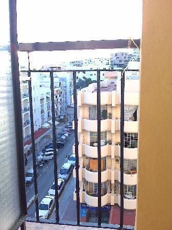 Don Quijote Hotel: Balkon 6. Stock Einzelzimmer Front