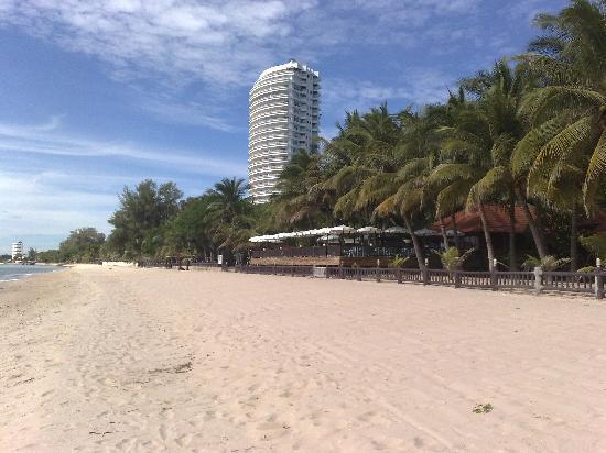 Regent Chalet Regent Beach Cha-Am: beach