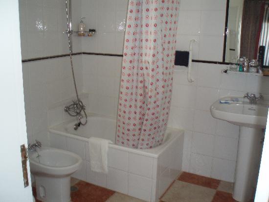 Casa Vale del Rei : bathroom