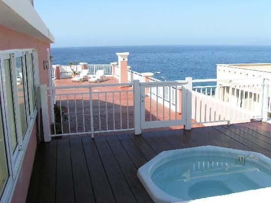 Apartamentos carlomar updated 2017 apartment reviews tenerife guia de isora tripadvisor - Apartamentos en playa san juan tenerife ...
