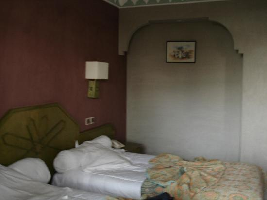 Hotel Chems : Chambre double CHEMS