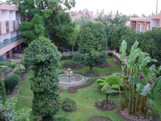 Hotel Chems : vue sur jardin