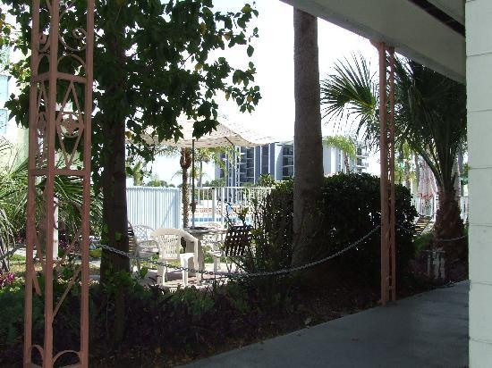 Cheri Lyn Motel : Great area for reading & relaxing