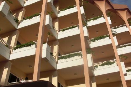 Hotel Puerto Palace : las terrazas de las habitaciones