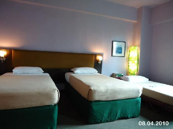 Strand Hotel: The spacious room