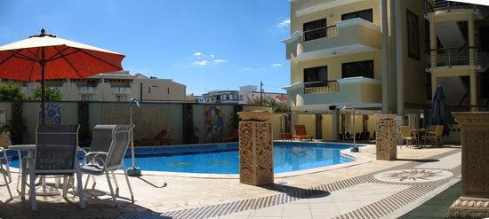 Sea Villas Apart'hotel: la piscina interna