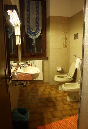 Hotel Il Gourmet : Hotel bathroom