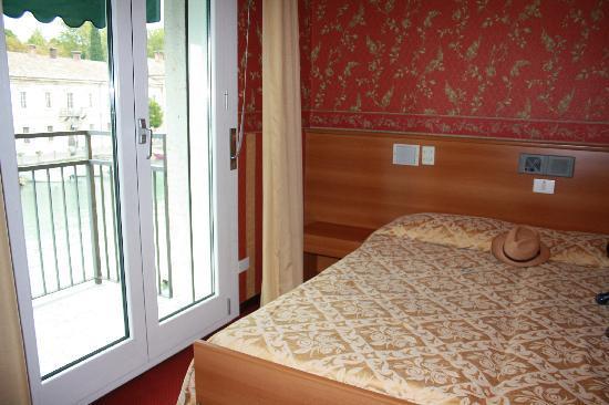 Hotel Bell'arrivo: Hotel bedroom
