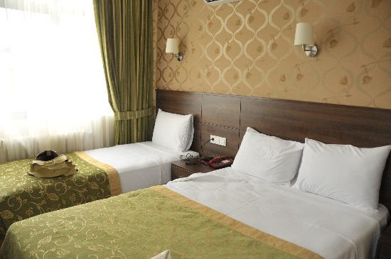 Star City Hotel: double bed