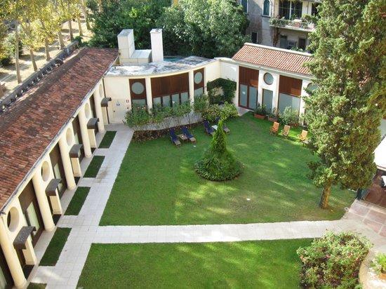 Giardino interno hotel s elena a settembre foto di best - Giardino interno ...