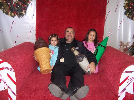 Santa's Enchanted Forest : Javi & Family in the Giant Chair