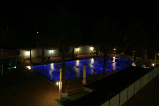 Hotel Orizzonte - Acireale: the pool by night