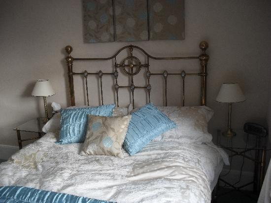 Tarn Hows Guest House: beautiful bedding