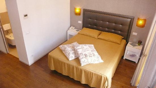 โรมา บูติค โฮเต็ล: Our bedroom again