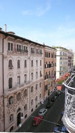 Roma Boutique Hotel: The view from our room