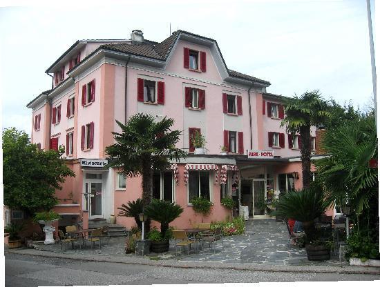 Park Hotel Rovio-Albergo del Parco: Hôtel côté entrée