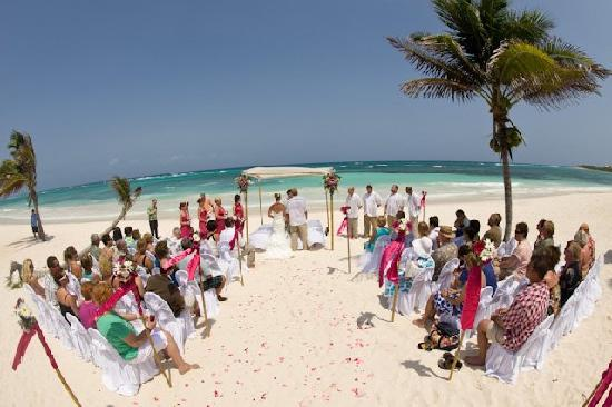 Grand Palladium Kantenah Resort Spa Wedding On Beach May 29