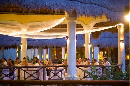 Grand Palladium Colonial Mexico Weddings
