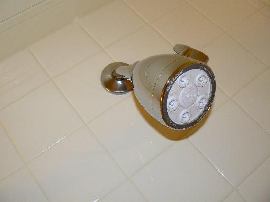 Argonaut Hotel, A Noble House Hotel: shower