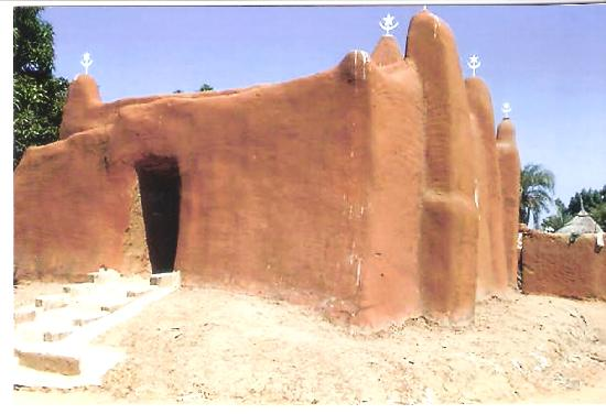 Μάλι: A small Mosque in village off the Rive Niger