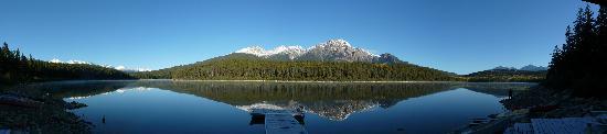Patricia Lake Bungalows Resort: A quiet Patricia Lake morning