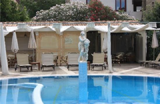 Hotel Sant'Agata: Piscina particolare