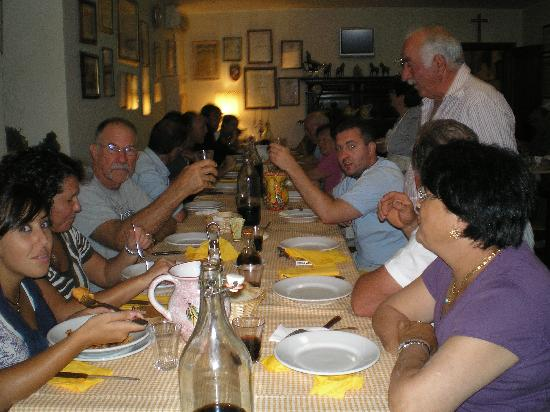 Agriturismo Bartoli: Dinner with the Bartoli Family &  Friends