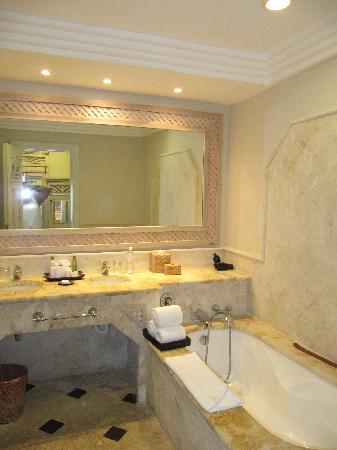 Sanctuary Cap Cana by Playa Hotels & Resorts : Bathroom