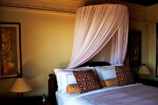 Four Seasons Resort Bali at Jimbaran Bay: Our lovely bedroom.