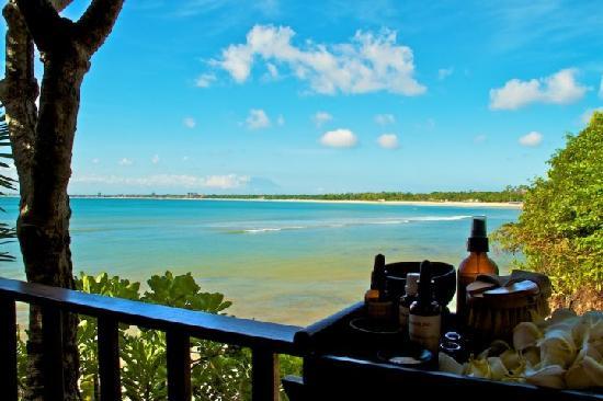 Four Seasons Resort Bali at Jimbaran Bay: Massage and facial against this view...