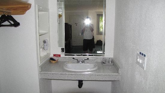 Raven Hotel : Impecable bathroom