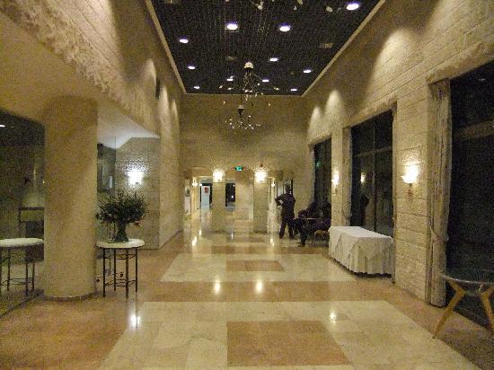 Ramat Rachel Resort: Nice part of the lobby