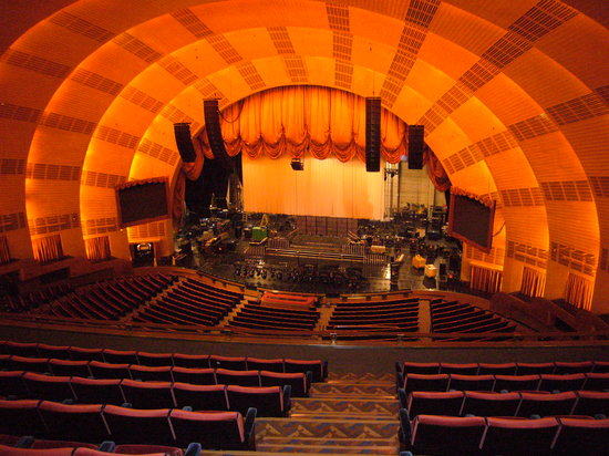 ‪Radio City Music Hall Stage Door Tour‬