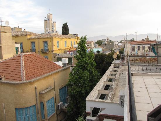 Sky hotel nicosia cypern omd men och prisj mf relse for Balcony nicosia