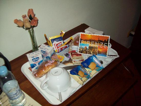 Antica Posta B&B: Il vassoio con la colazione