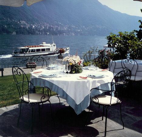 Moltrasio, Italia: Tavolo in terrazza