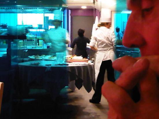 La Girella: The Kitchen - La Cocina